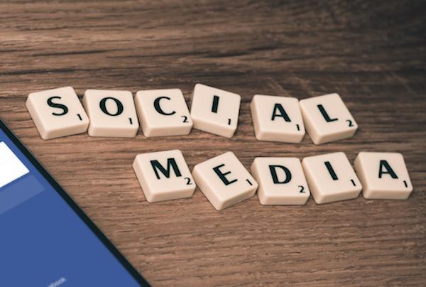 WBWKY1FQ2I-social-media